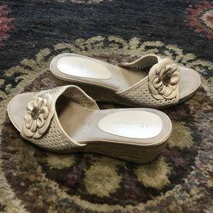 Anne Klein Shoes - Lion 🦁 Wedge Heels 8